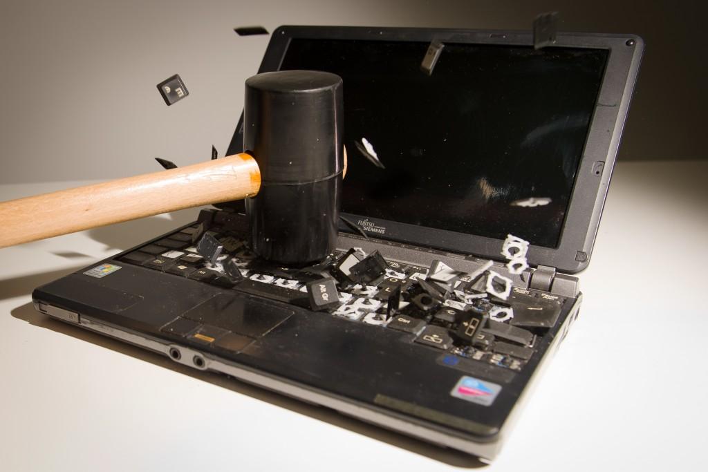 disadvantages of laptop
